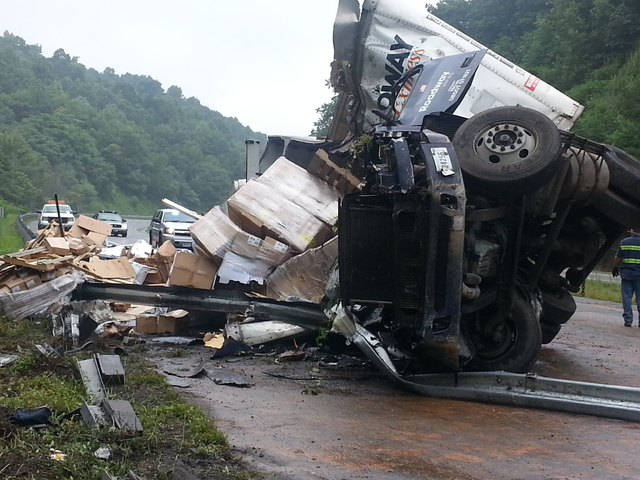Tractor Pulling Accidents : Mt airy news truck crash on i claims life causes delays