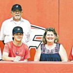 SCC golf inks two-sport standout