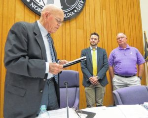 City gives support to apartment project