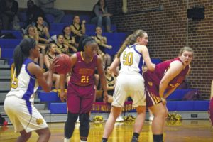 Lady Hounds pummel S. Stokes