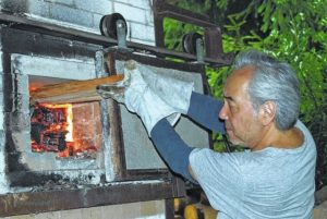 Satake to hold pottery workshop at SCC
