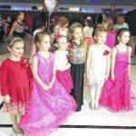 Shoals PTO holds Valentine's dance